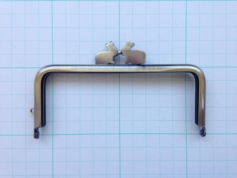 画像1: 【定番口金】12cm角型・うさぎ・AG