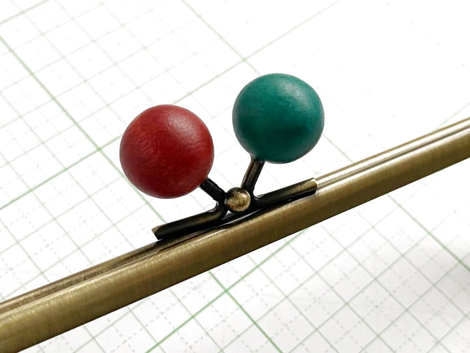 画像2: 【定番口金】16.5cm角型・★りんご木玉・AG(通帳ケース)